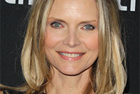 Michelle-pfeiffer-how-to-have-young-looking-hair-side